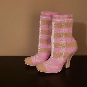 Shoes - Fendi Booties